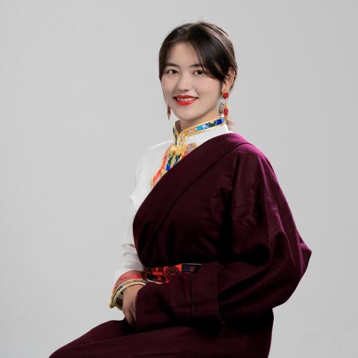 卓玛讲藏区