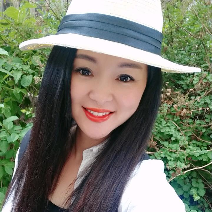 38岁笑容女王