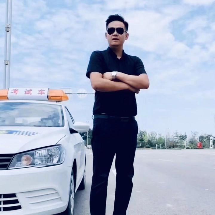 汽车培训刘教练